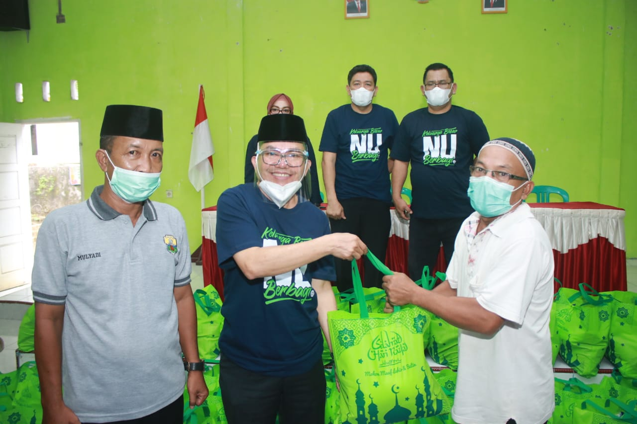 KBNU UIN Sutha Berbagi Paket Sembako