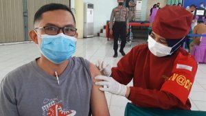Vaksinasi Covid-19 Massal