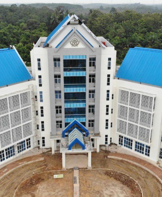 "UIN STS Jambi Peringkat 51 ""Top Islamic Universities in the World"""